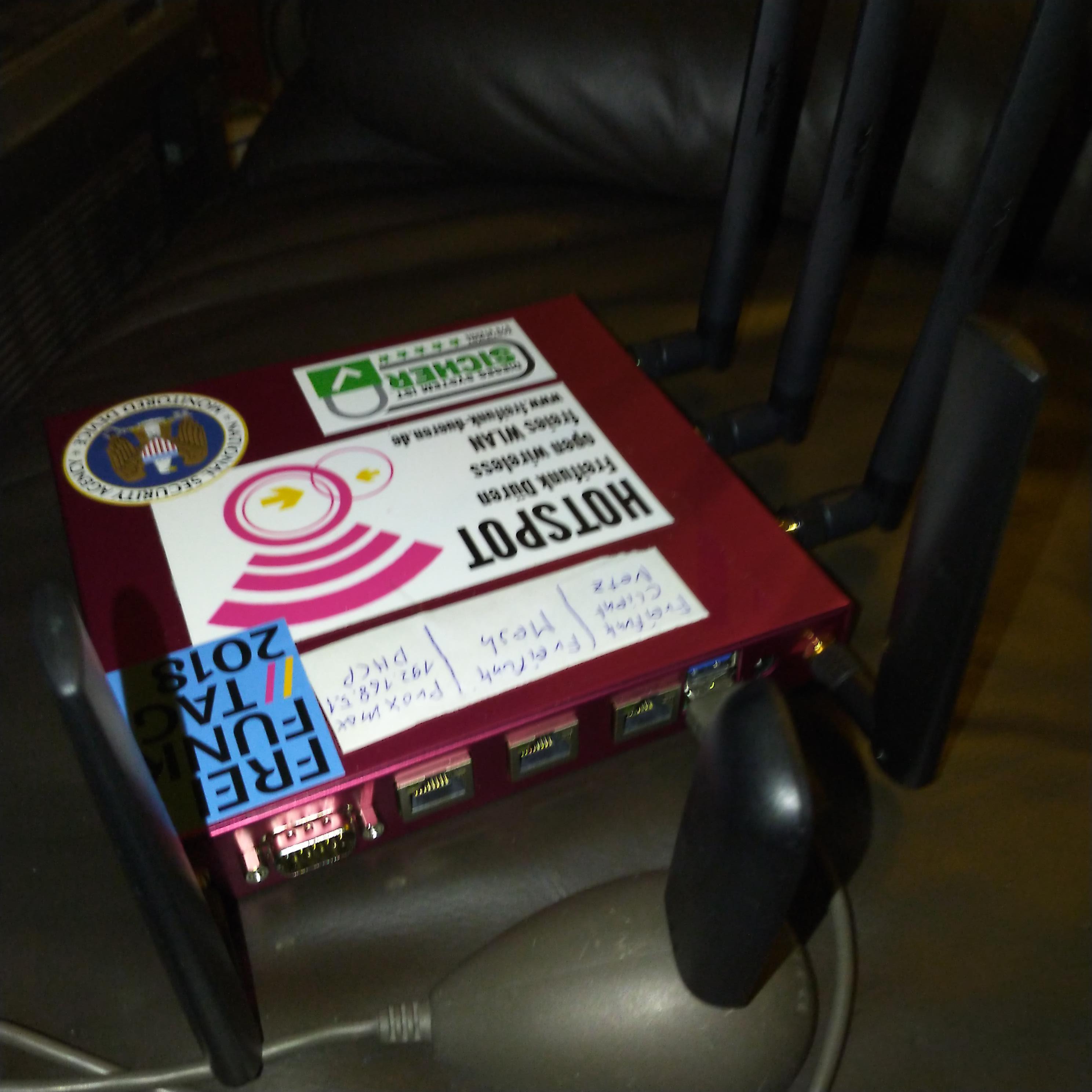 LTE Offloader Router in einem Gerät mit Webserver für Dienste im